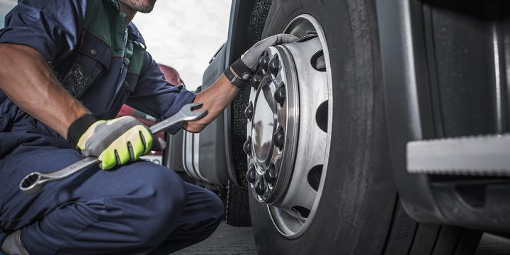 How Transport Entities Select Their Mobile Truck Tyre Changer