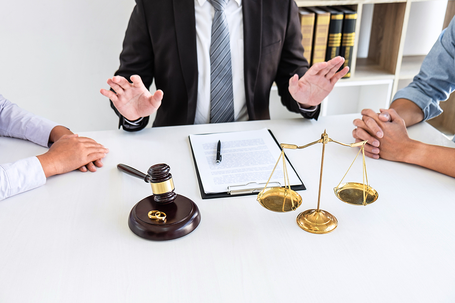 Best family lawyer helping clients